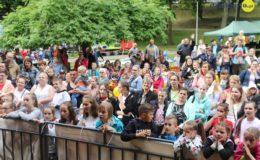 Festyn Caritas z okazji Dnia Dziecka i Matki