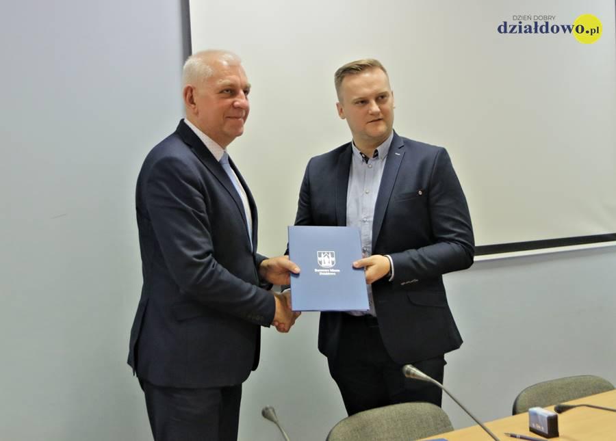 Umowa na wykonanie remontu MDK podpisana