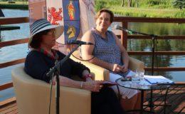 Irena Telesz-Burczyk  i Sylwia Kaczmarczyk. Powiatowe Wieczory z Poezją