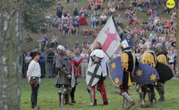 Setki widzów obejrzało inscenizację Bitwy Zwiadów Działdowskich podczas turnieju rycerskiego