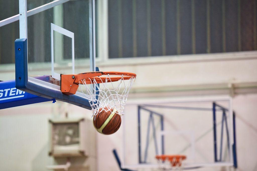 Zagraj w XVIII Turnieju Wyzwolenia w Koszykówce Mężczyzn