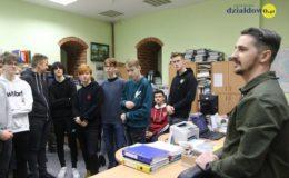Młodzi ludzie poznali działanie urzędu