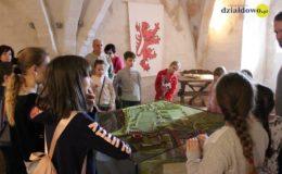 Jak wyglądało dzieciństwo w średniowieczu