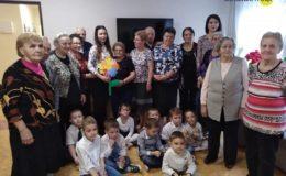 Wizyta przedszkolaków w Klubie Seniora
