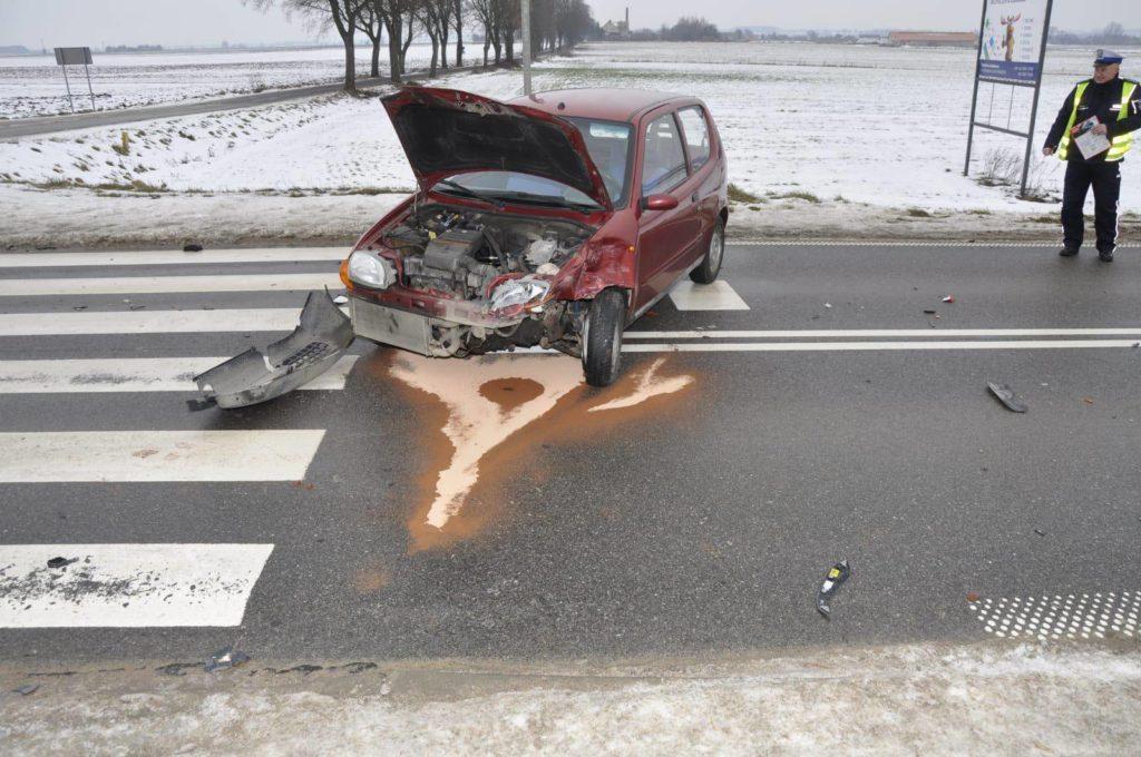Na trasie Działdowo-Kozłowo zderzyły się dwa samochody