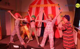 """""""Clowni"""" – 17 premiera teatru Pewni Niepewni. Zapraszamy [film, zdjęcia]"""
