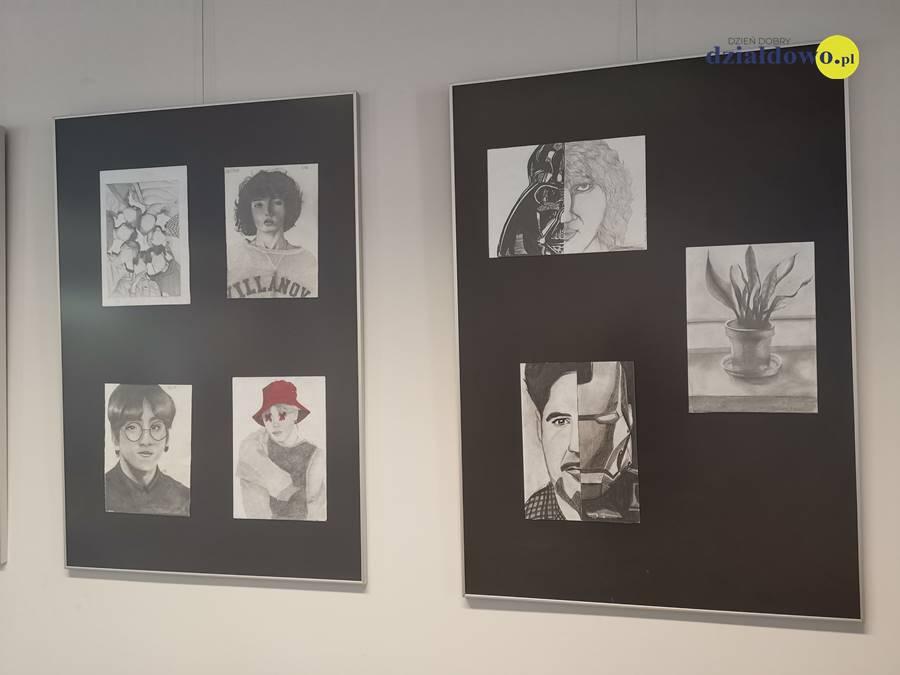 Wystawa prac Izabeli Kozłowskiej. Zapraszamy do biblioteki