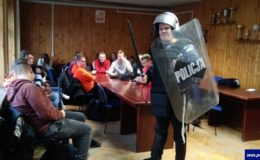 Spotkania policjantów z uczniami i przedszkolakami