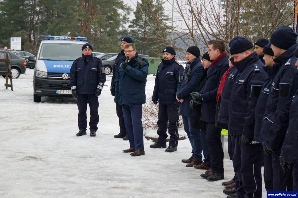 """""""Kręci mnie bezpieczeństwo na stoku"""". Policyjni narciarze na warmińsko – mazurskich stokach"""