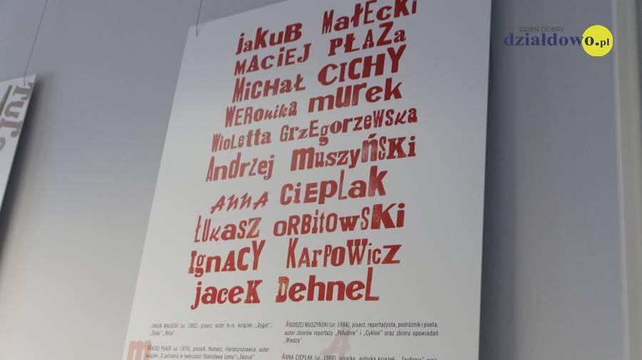 """Zapraszamy do biblioteki na wystawę """"Współcześni pisarze polscy, niemieckojęzyczni, francuskojęzyczni, hiszpańskojęzyczni"""""""