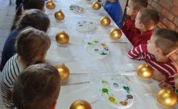 Wycieczka dzieci z Przedszkola nr 4 w Działdowie do chatki Świętego Mikołaja w Kamionce [zdjęcia]